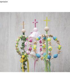 mit Ostereiern dekorierter Osterbaum