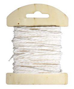 Papierkordel auf Holzkarte in weiß
