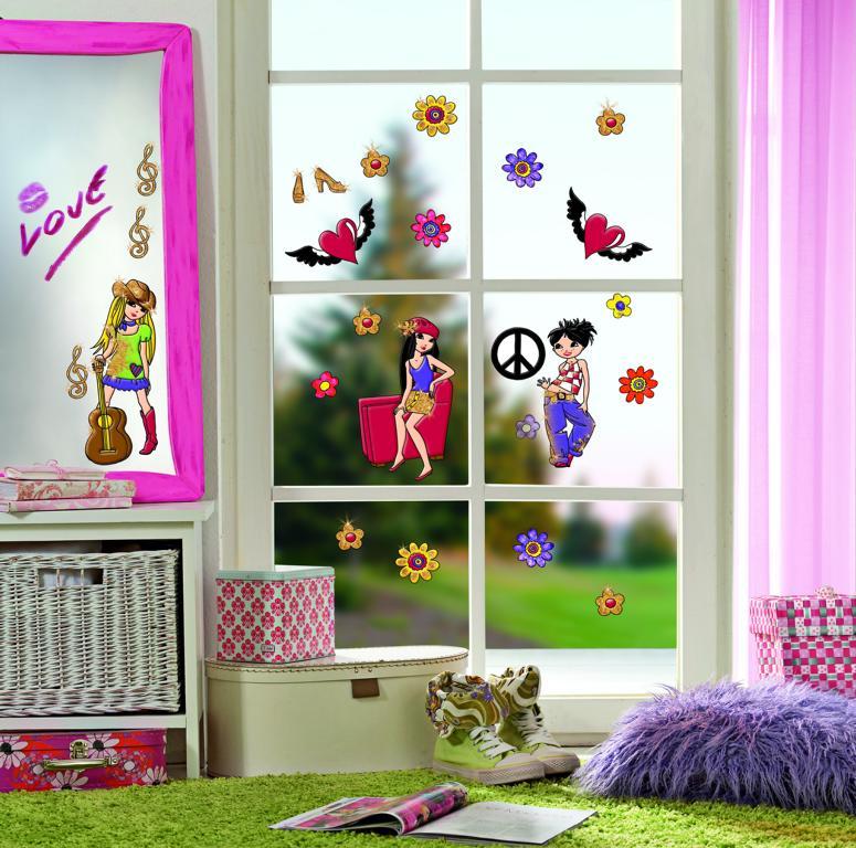 Eine Fensterscheibe wird zur Bühne umgestaltet mittels Window Color.
