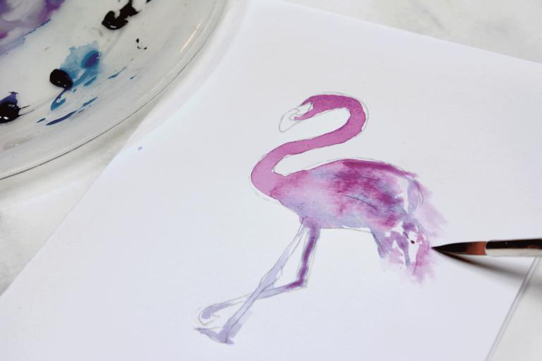 Akzente in den Federn des Flamingos werden hervorgehoben.
