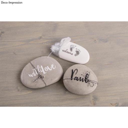 Steine aus Raysin mit Dekoelementen
