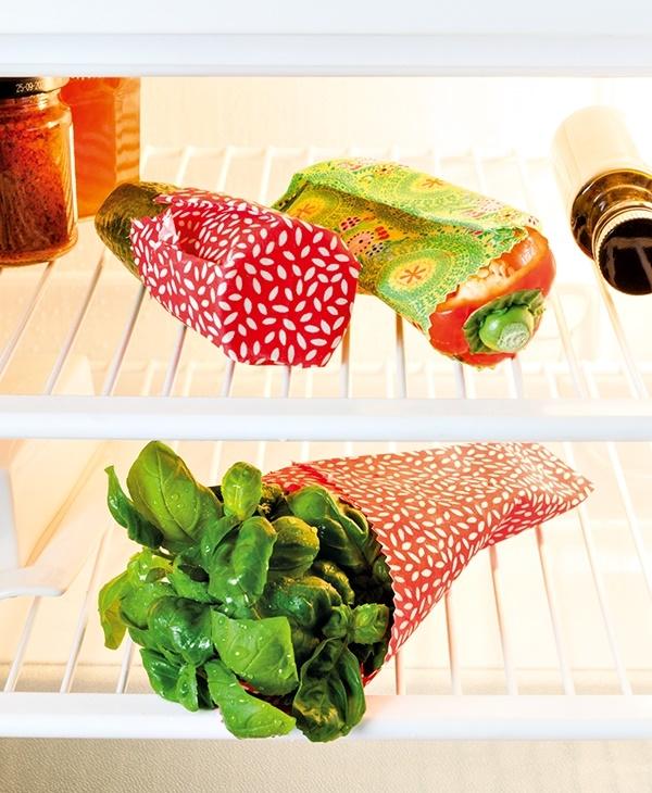 Gemüse verpackt in Bienenwachstüchern.