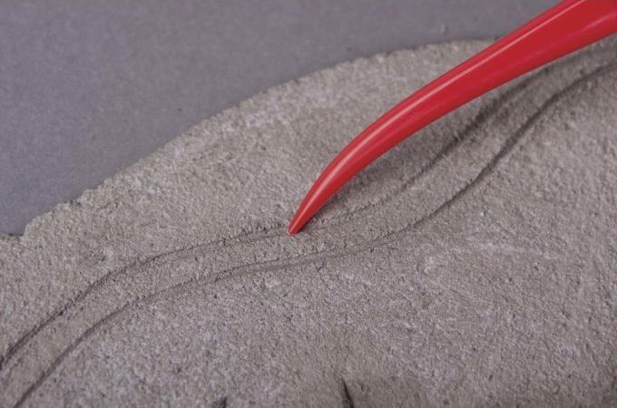 Ein Modellierwerkzeug in Rot.