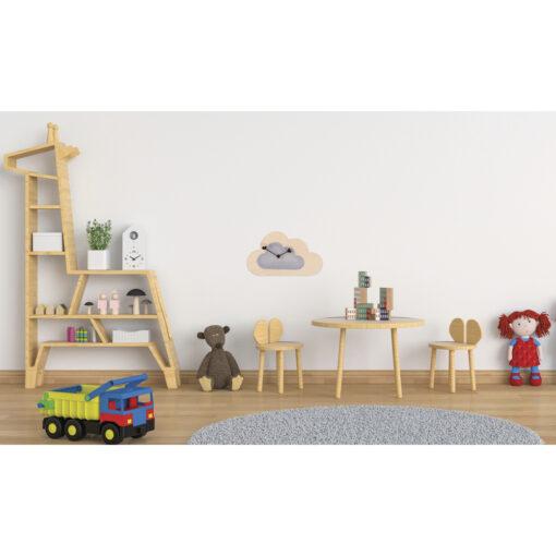 Kinderzimmer mit Wanduhr, Wolke aus Holz