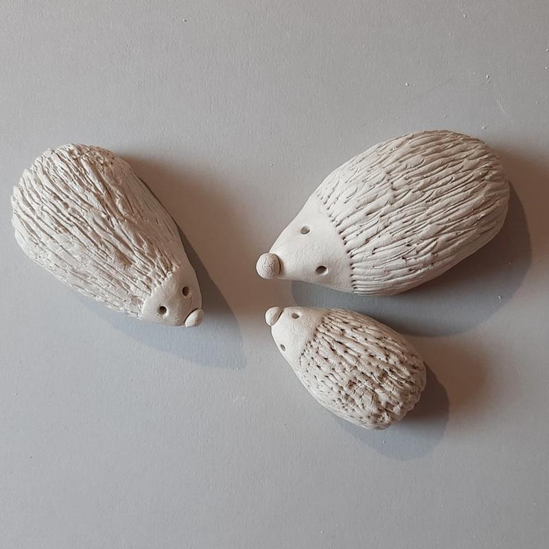 3 Igel aus Modelliermasse