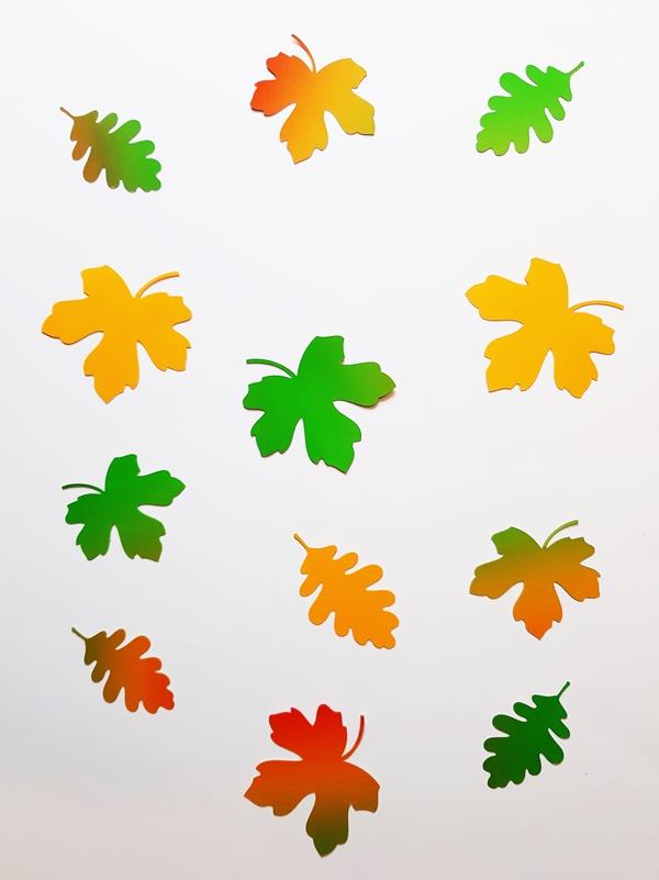 Bunte Blätter  für Blätterketten aus Bastelpapier